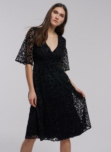 People By Fabrika Desenli Kadife Elbise Siyah